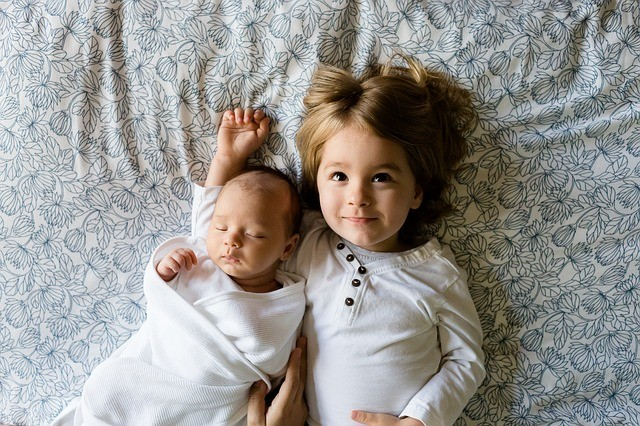 nejlepší věkový rozdíl mezi sourozenci