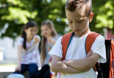 Šikana v první třídě aneb učitelka to řeší pětkou a čertíkem