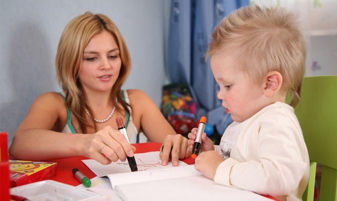 Jak dítě seznámit s tužkou a papírem?