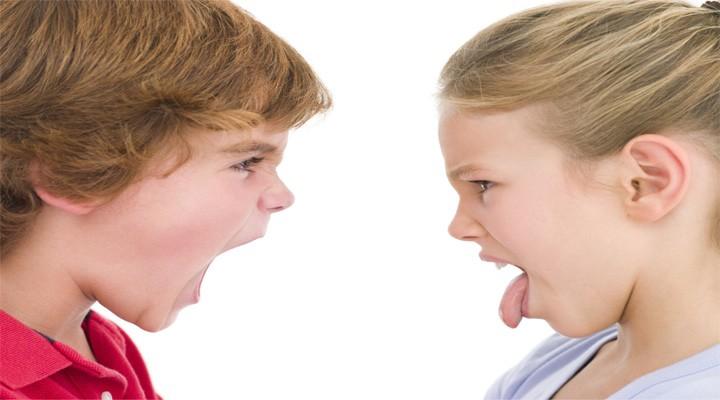 3 tipy jak řešit sourozenecké vztahy