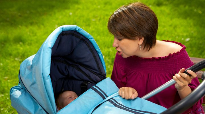 """""""Drž, už hubu, ti povídám!"""" křičí maminka do kočárku"""