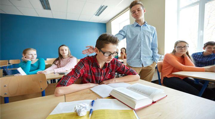 Šikana se stává běžnou součástí života, a to nejen ve školách!